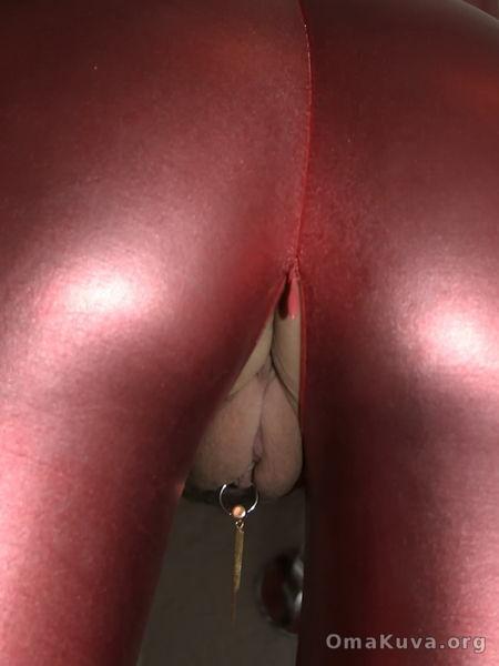 seksitarvikkeet omakuva pimppi