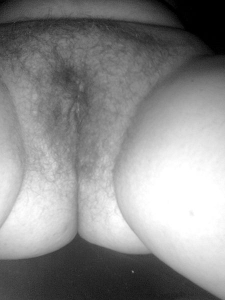 Seksikäs brunette porno kuvia